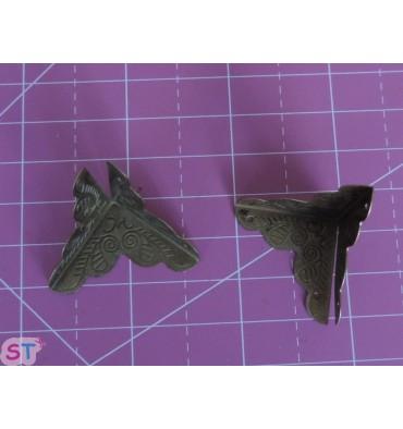 Cantoneras esquina bronce tres lados (4)