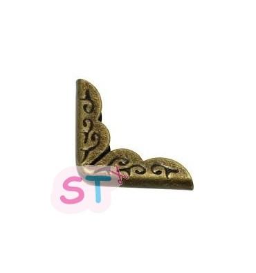 Cantoneras bronce grandes (4)
