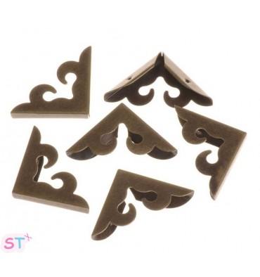 Cantoneras con volutas bronce